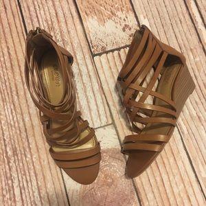 Crown Vintage like new wedge sandals